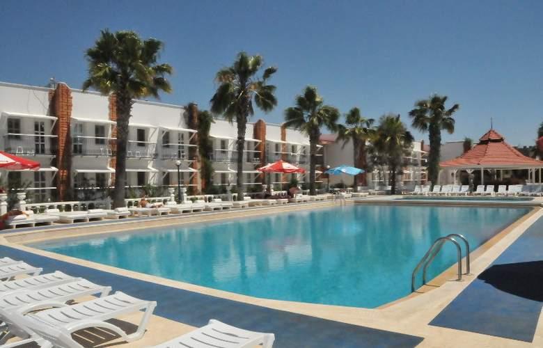 Club Hotel Arinna - Pool - 2