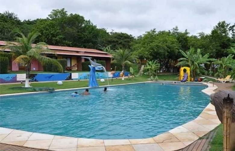 Caju Montebello - Pool - 4