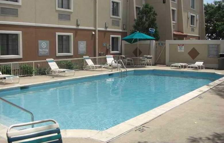 La Quinta Inn Chicago O'Hare Nr. 6072 - Pool - 4