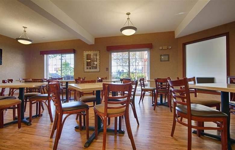 Best Western Plus Park Place Inn - Restaurant - 135
