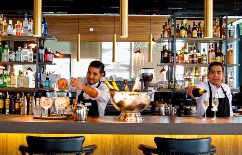 Aravaca Village Hotel & Market - Bar - 15