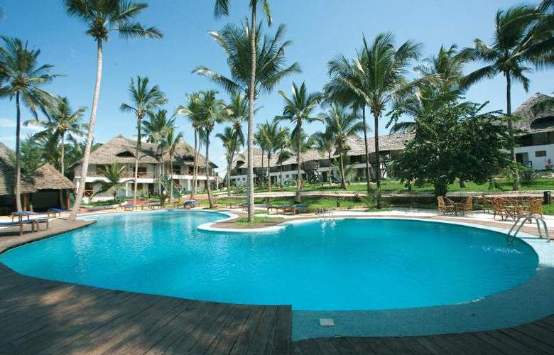 Paradise Beach Resort - Pool - 3