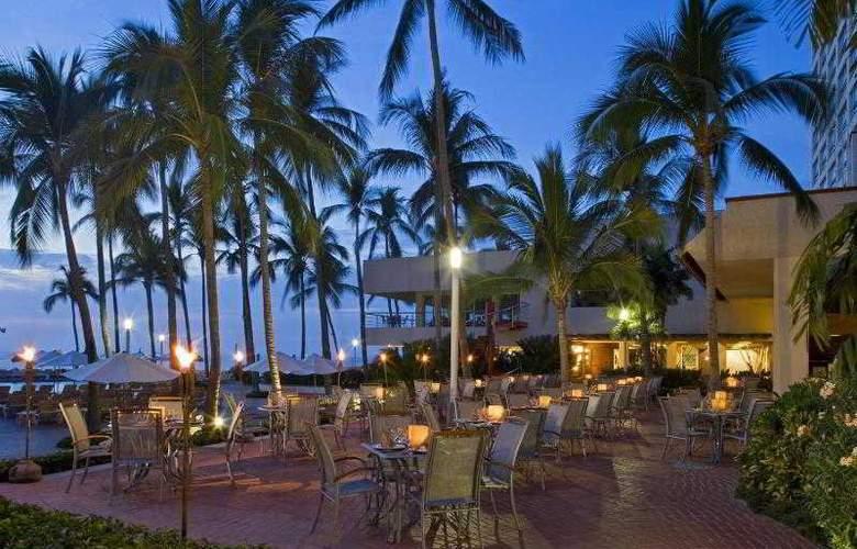 Sheraton Buganvilias Resort & Convention Center - Restaurant - 33