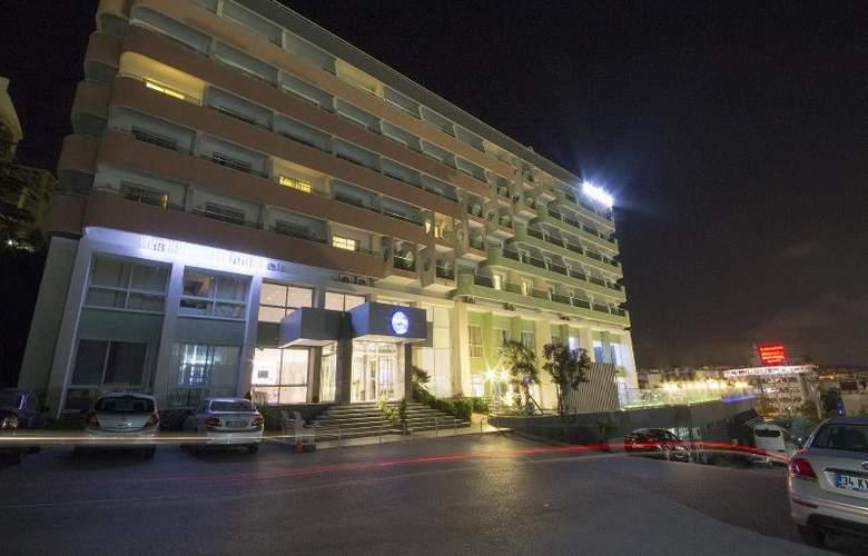 Marina Hotel - Hotel - 13