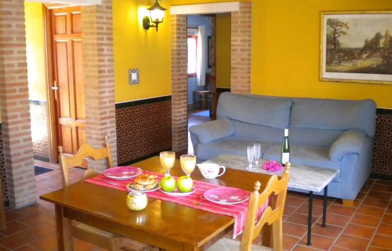 La Estancia - Villa Rosillo - Room - 20