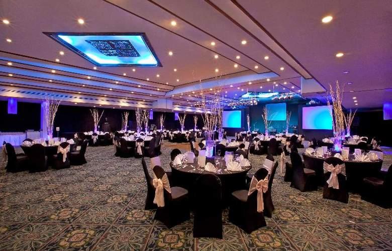 Le Meridien Phuket Beach Resort - Conference - 26
