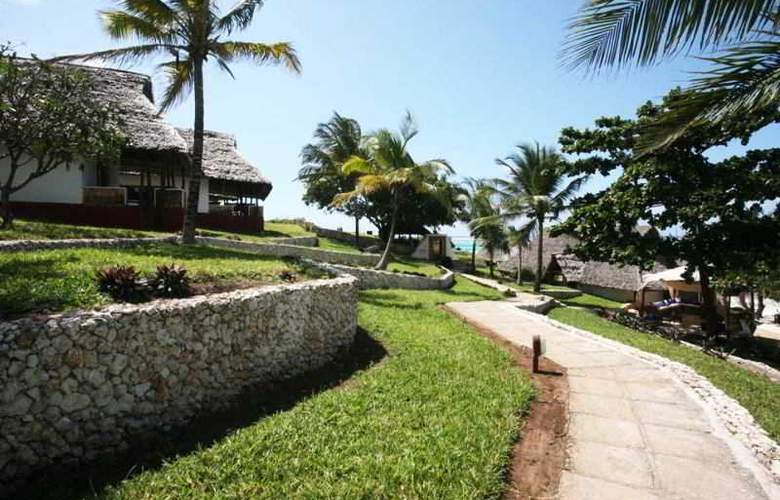 Karafuu Hotel Beach Resort - Terrace - 10