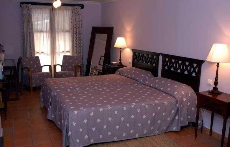 Posada Real del Pinar - Room - 1