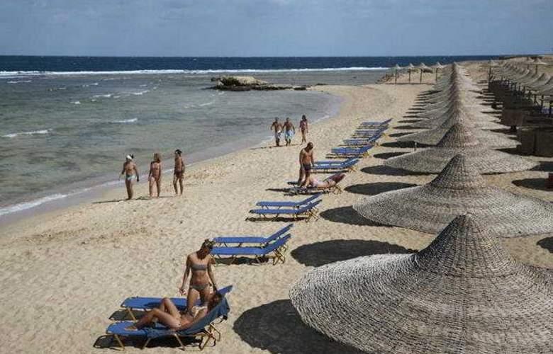 EL Malikia Resort Abu Dabbab - Beach - 5