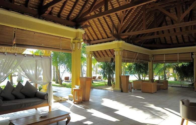 Paradis Beachcomber Golf Resort & Spa - Terrace - 8