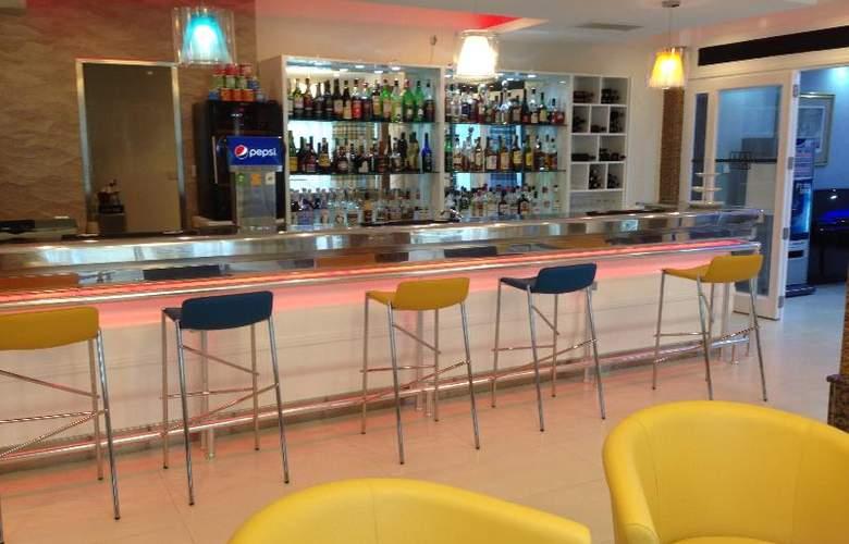 Alexandra - Bar - 23