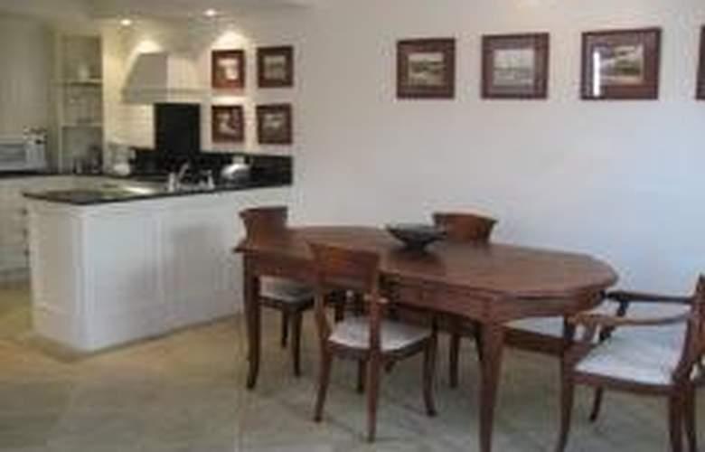 Hearns Cottage Suites - General - 4