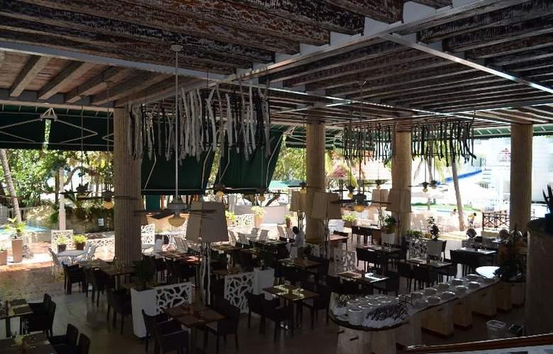Las Americas Casa de Playa - Restaurant - 20