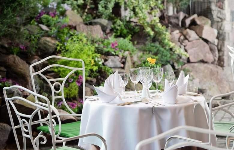 Best Western Hotel Santakos - Restaurant - 40