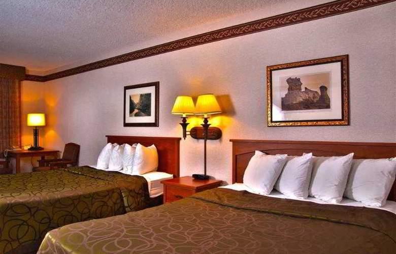 Best Western Town & Country Inn - Hotel - 44