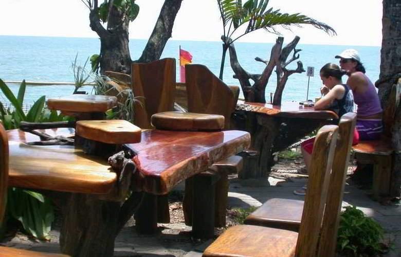 Australis Cairns Beach Resort - Restaurant - 9