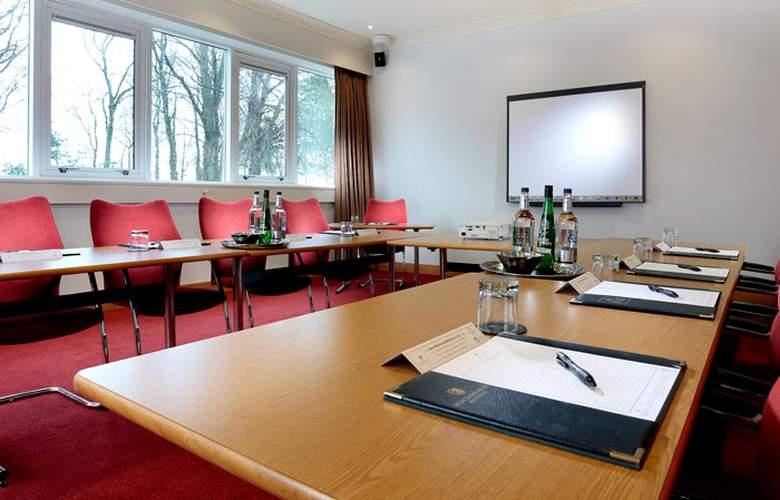 Macdonald Kilhey Court - Conference - 4