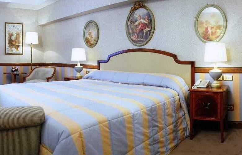 Izan Avenue Louise - Room - 9