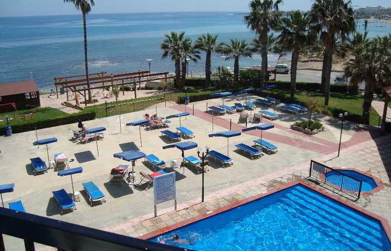 Evalena Beach Hotel Apts - Pool - 2