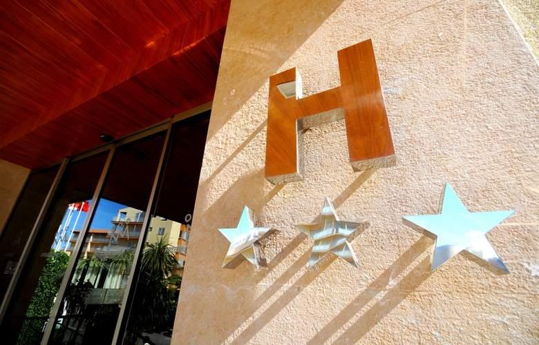 Hotel Monterrey Roses by Pierre & Vacances - Hotel - 8