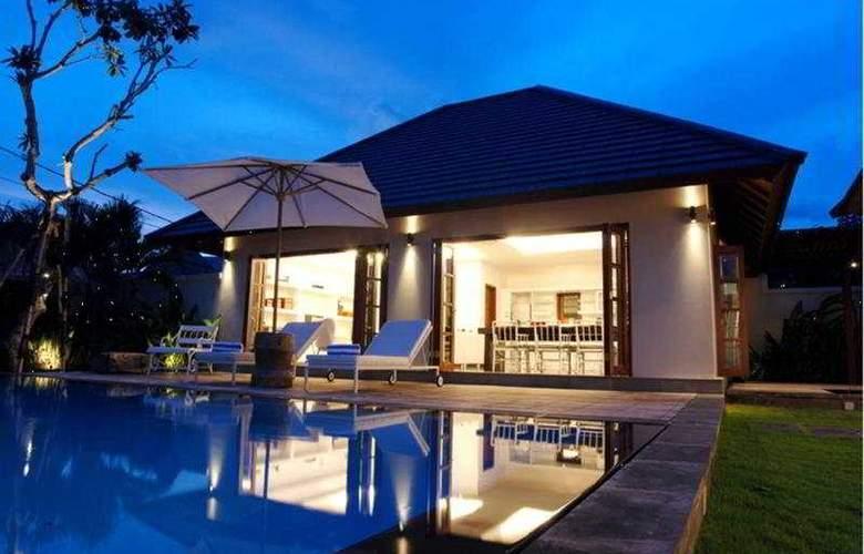 Nunia Villa - Pool - 5