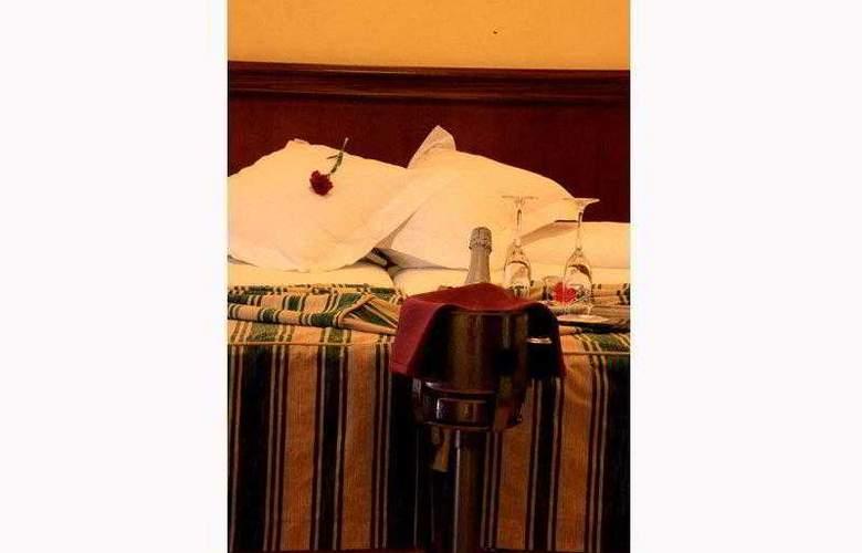 Cervantes - Hotel - 12