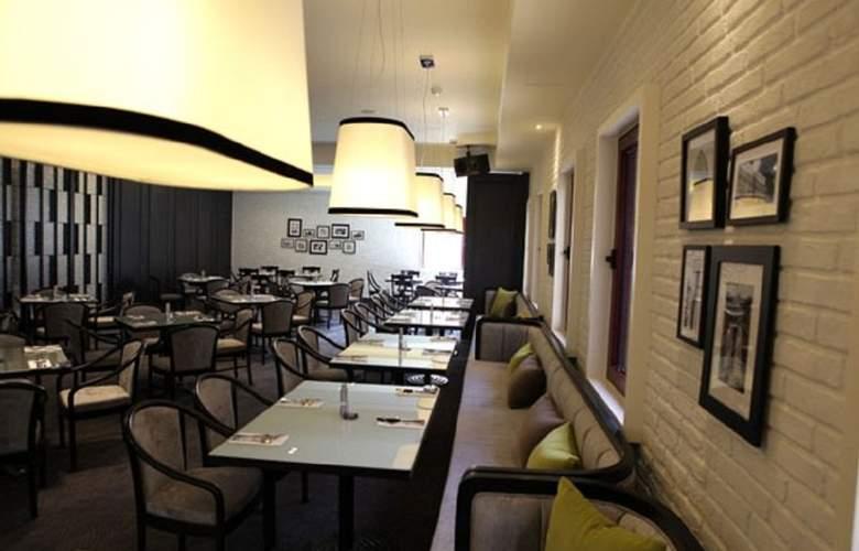 Lees - Restaurant - 2