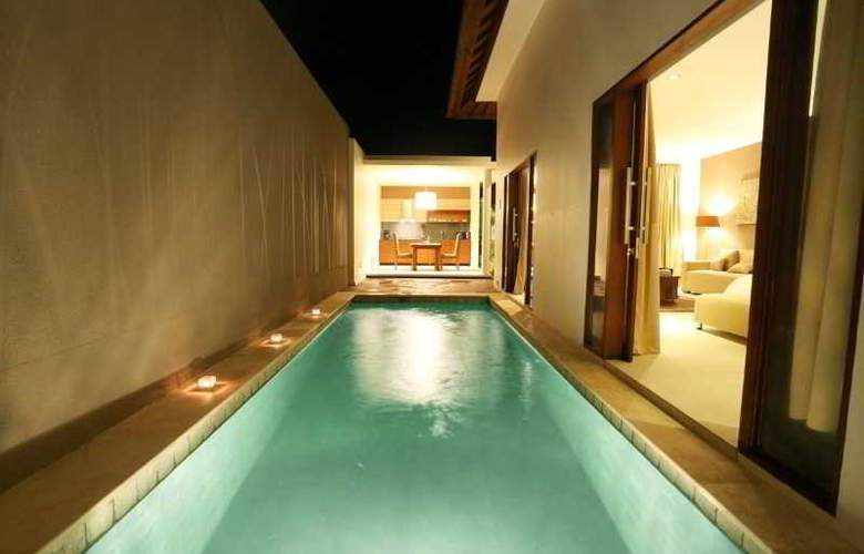 Uppala Villa & Spa Umalas - Pool - 23