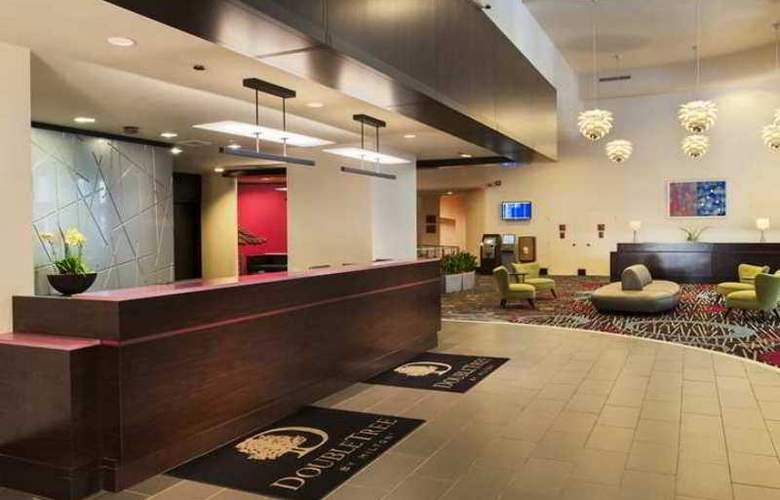 Doubletree Hotel Chicago Magnificent Mile - Hotel - 15