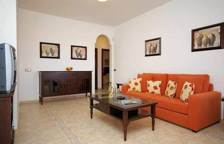 Villas Siesta - Room - 0