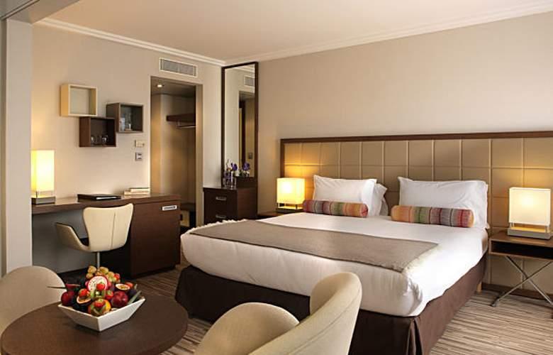 AC Hotel Ambassadeur Antibes - Juan les Pins - Room - 18