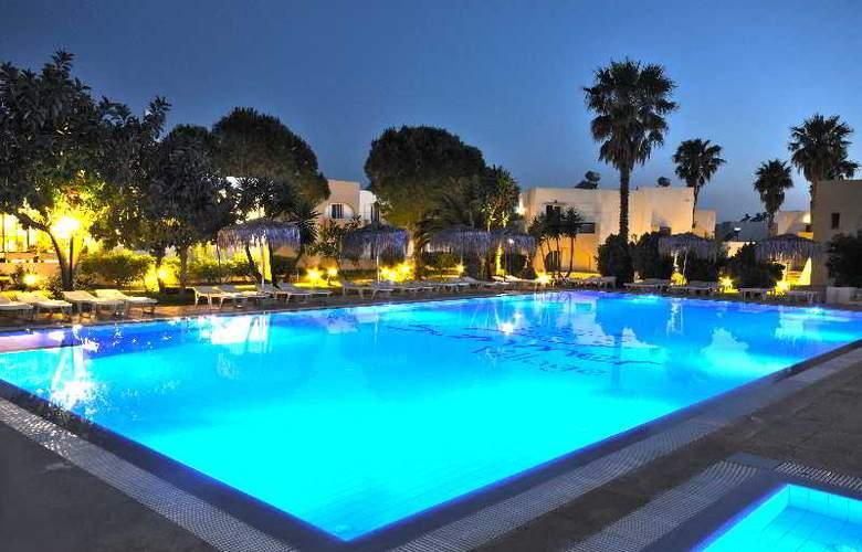 Summer Village - Pool - 12