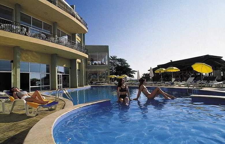 Estreya Park - Hotel - 0