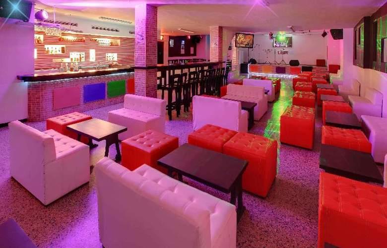 Cartagena Plaza - Bar - 21