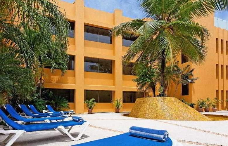 Holiday Inn Veracruz Boca del Rio - Pool - 28