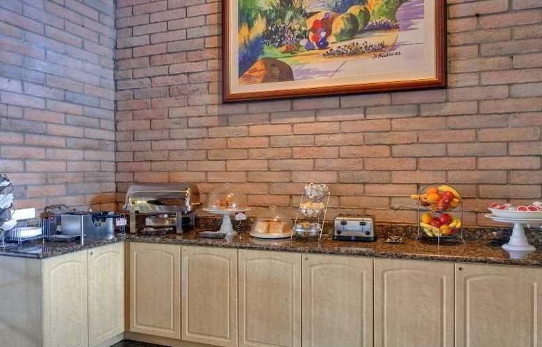 Comfort Suites at Sabino Canyon - Restaurant - 1