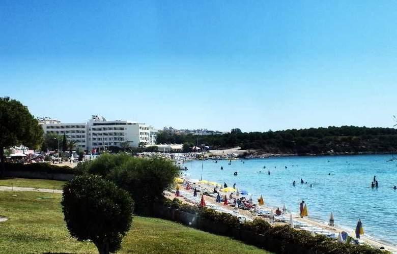 Tuntas Hotel Altinkum - Beach - 24