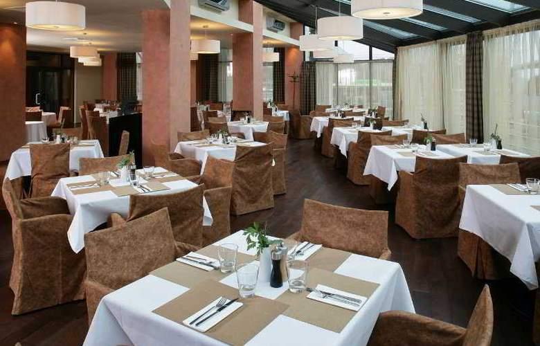 Park Inn Danube, Bratislava - Restaurant - 6