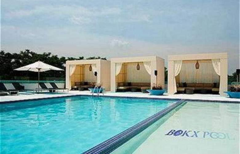 Holiday Inn Boston - Newton - Pool - 5