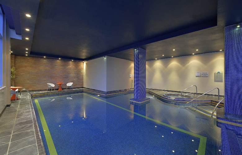 Radisson Blu Liverpool - Pool - 4