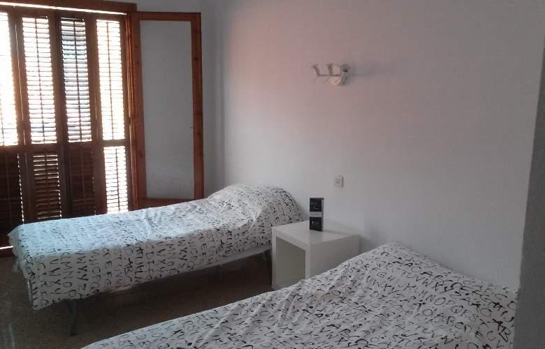 San Carlos Lloret - Room - 8