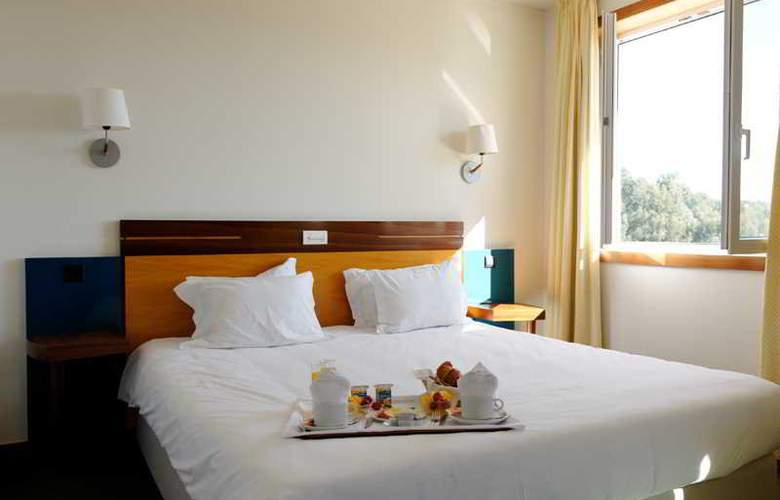 Golden Tulip Braga - Room - 30