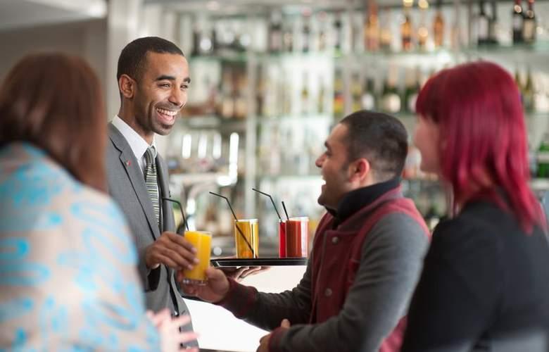 Holiday Inn London Stratford City - Bar - 16