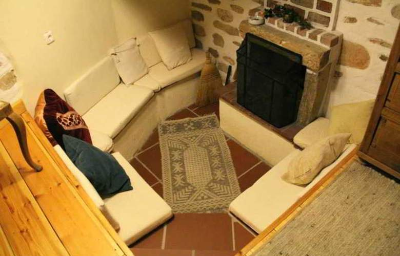 Efipoi Hotel - Room - 1