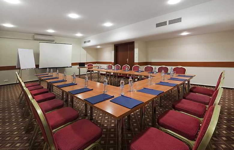 Warminski - Conference - 16