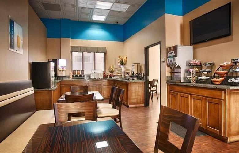 Best Western Plus Suites Hotel - Restaurant - 69