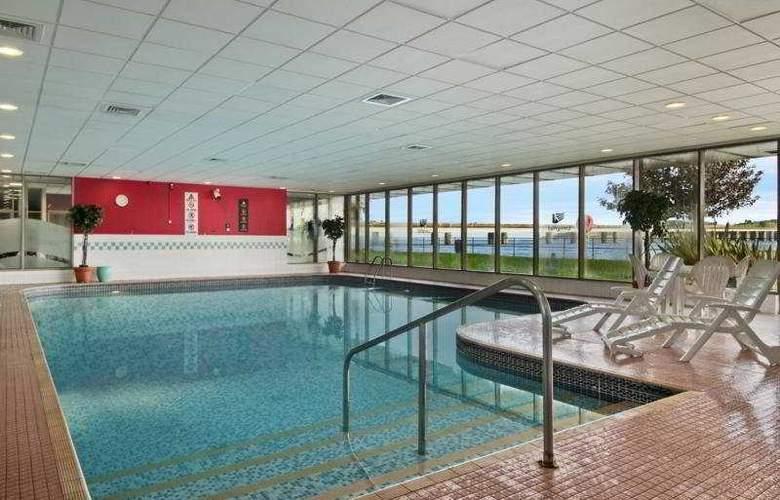Hilton Dundee - Pool - 6