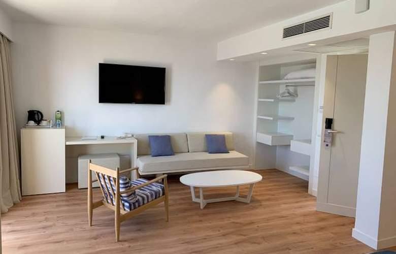 Blau Punta Reina Junior Suites Resort - Room - 6
