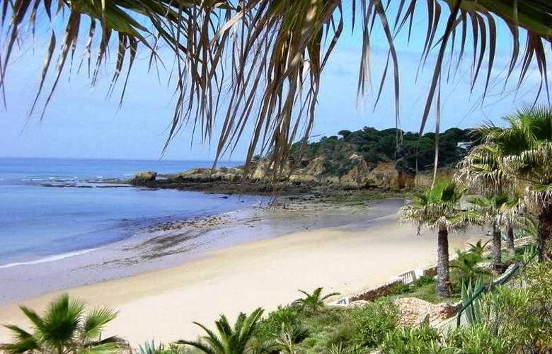 Grande Real Santa Eulalia Resort & Hotel Spa - Beach - 23