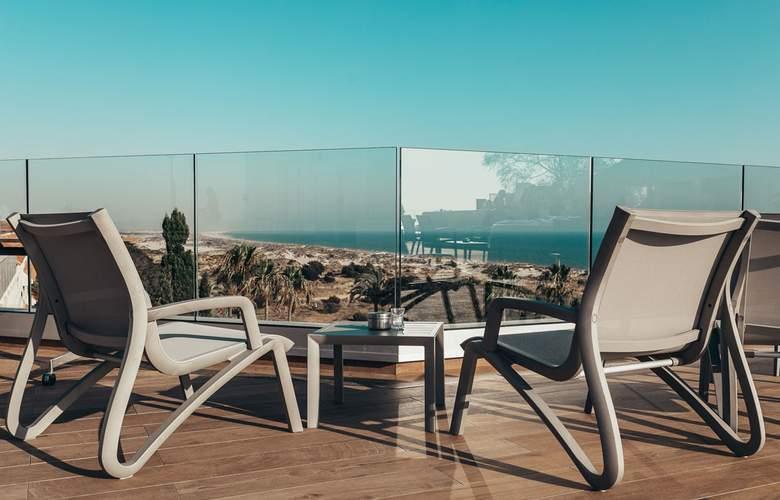 Gran Hotel del Coto - Terrace - 16